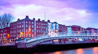 Irlandiya hukumati stipendiyalari.  Xarajatlar uchun €18,500 stipendiya, tadqiqot uchun €3,250
