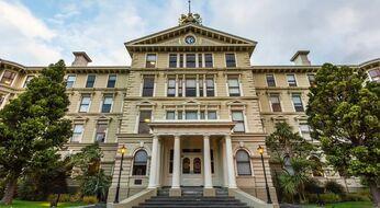 Yangi Zelandiya: Vellington-Viktoriya universitetida doktorantura o'qish uchun grant.