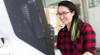 Women in Technology Scholarship (Zonta International): грантовая программа в размере 8000 долларов США для женщин, обучающихся в сфере информационных технологий.