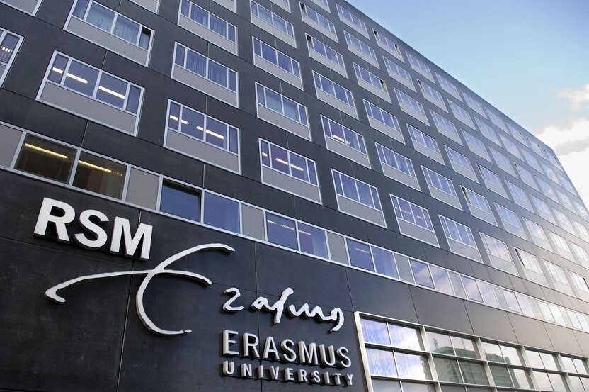 Erasmus University Holland Scholarship grant dasturi