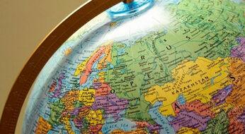 На какие направления вузов можно подать документы, подготовившись по математике и географии?
