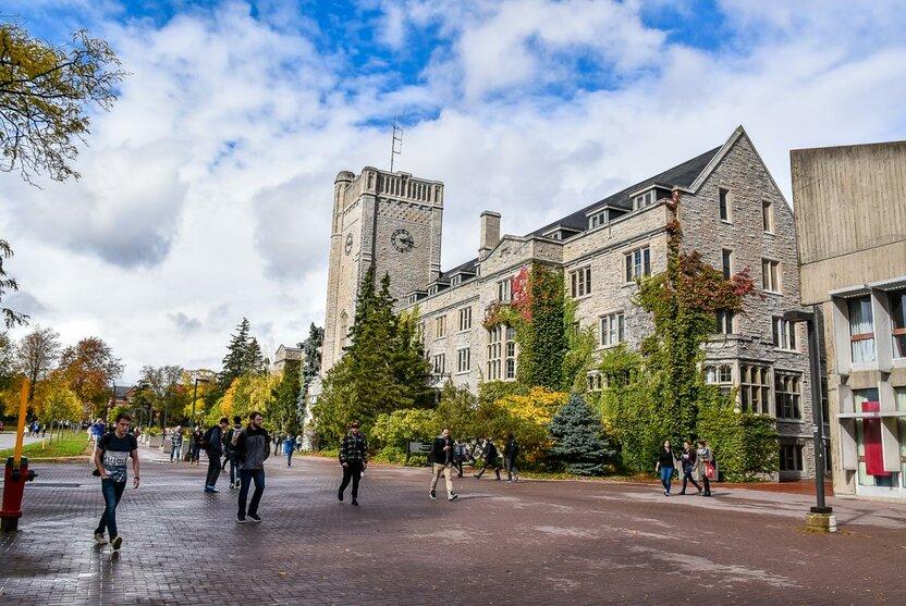 National Humanities Center Fellowship - tadqiqotchilar uchun Kanadada tadqiqot olib borish imkoniyati