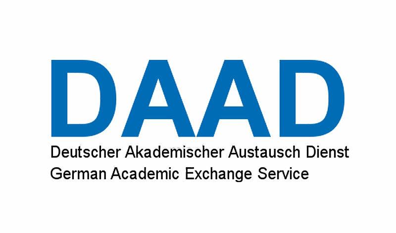 Germaniyada o'qish uchun mos universitet va o'quv dasturini qanday topishim mumkin?