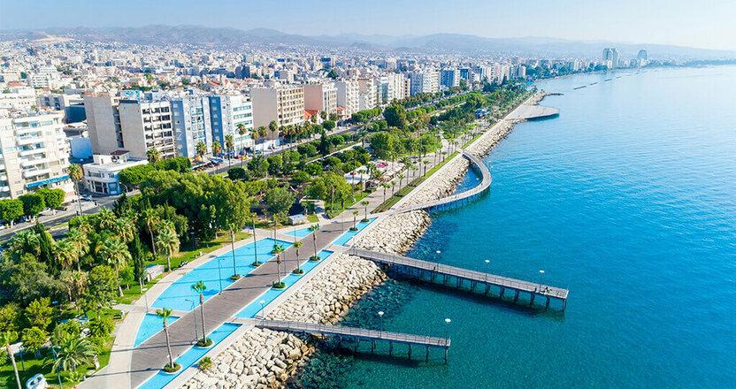 Dunyo bo'ylab hamyonbop xalqaro universitetlar: Kipr G'arbiy Universiteti - bakalavr dasturlari va grantlar