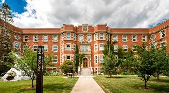 Канада: гранты от Университета Альберты для курсов бакалавриата