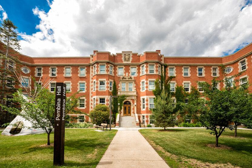Kanada: Alberta universiteti tomonidan bakalavr bosqichi kurslari uchun grantlar